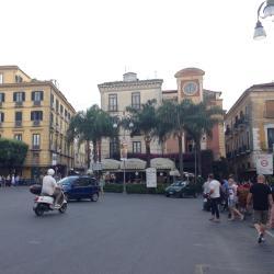Quảng trường Piazza Tasso