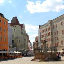 Haidplatz Square