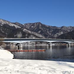 جسر بحيرة كاواجوتشيكو أوهاتشي