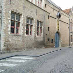 Bladelin Court