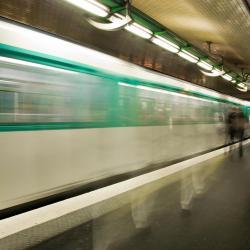 Pyrénées Metro Station