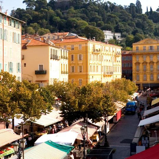 Cours Saleya e Mercado de Flores de Nice