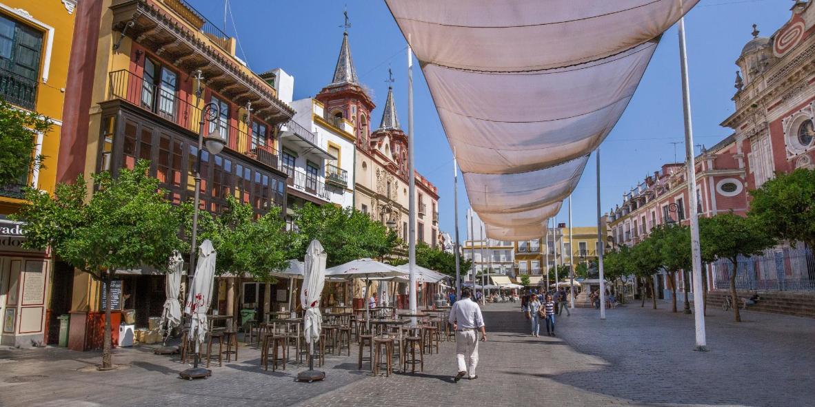 Bars in Del Salvador Square