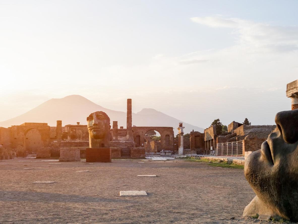 Pompéia à sombra do Monte Vesúvio