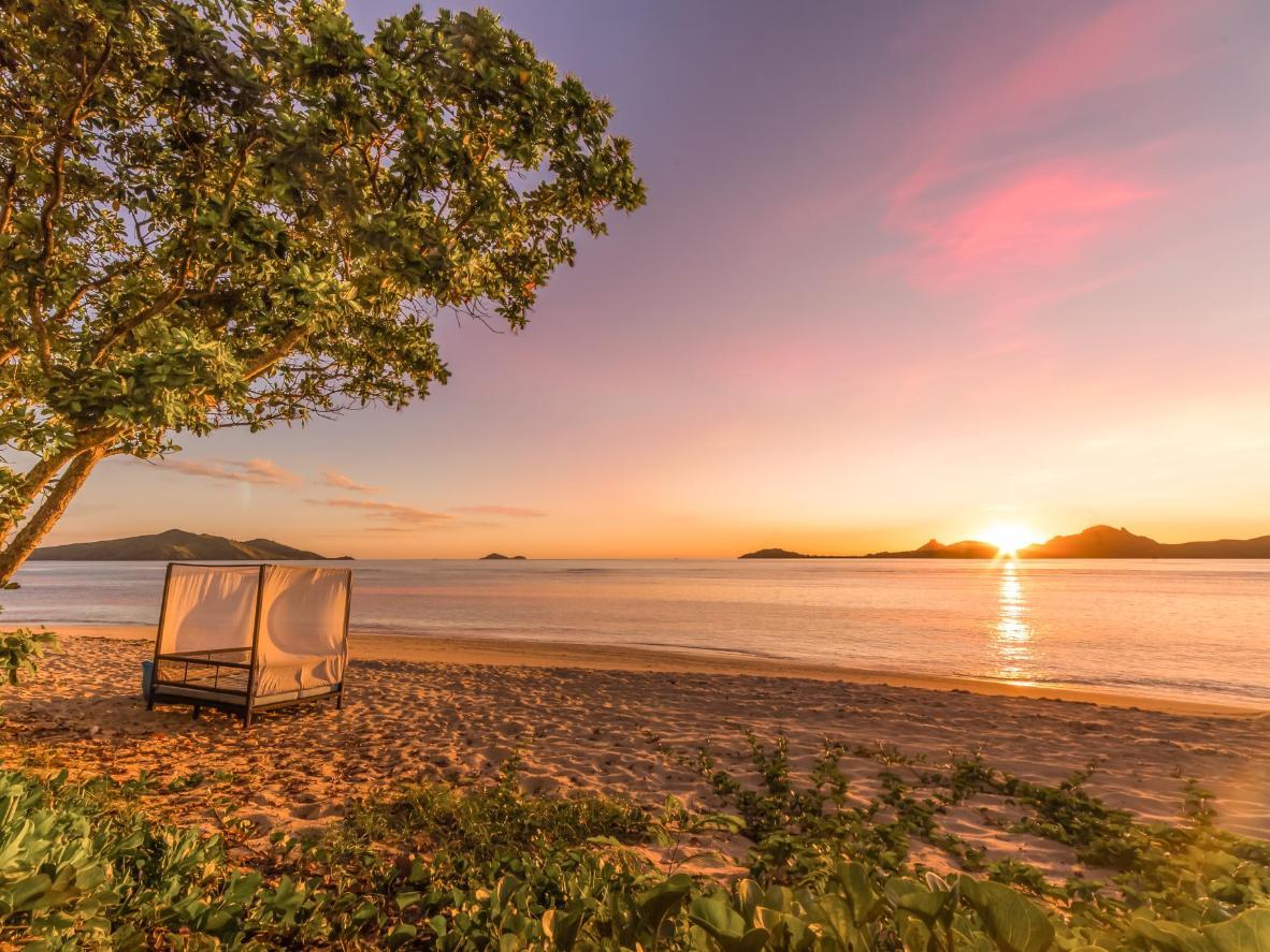 O pôr do sol em Tokoriki é único – local perfeito para seus votos de casamento