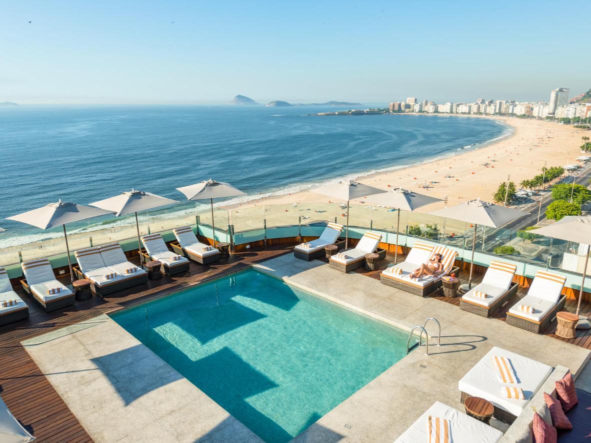 Esta piscina nas alturas fica em um dos bairros mais elegantes do Rio
