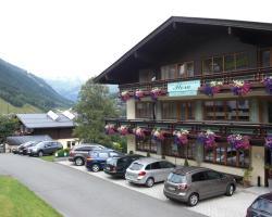 Hotel-Pension Flora