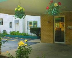 VIllage Inn Motel - Berrien Springs