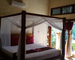 Teluk Indah Beach & Pool Villa