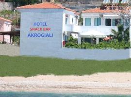 Akrogiali Hotel, Plomari