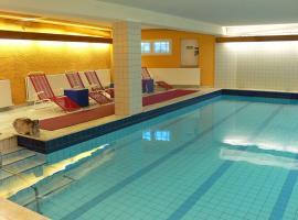 Hotel Meran Hallenbad & Sauna, Sarrebruck