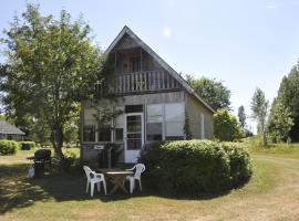 York Bay Place Cottages, Brackley Beach