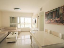 Beautiful 4 bedroom duplex apt, Beer Sheva
