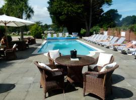 Beachcombers Hotel, Grouville