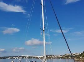 De Candia Ship, Port d'Addaia