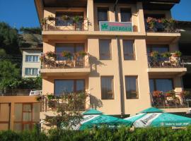 Family Hotel Zdravec, Devin