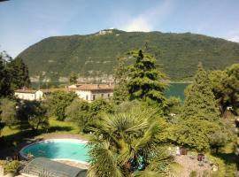 Villa Bredina, Sale Marasino