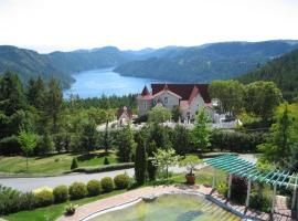 Prancing Horse Retreat, Malahat