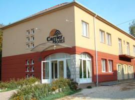 Carrier Hotel, Komárom
