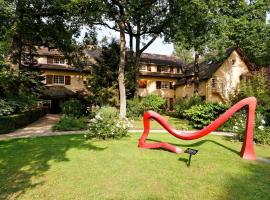 Relais & Châteaux-Hotel Cazaudehore - La Forestière, Saint-Germain-en-Laye