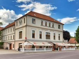 Zámecký Hotel, Vranov nad Dyjí