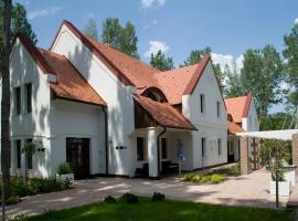 Varga Tanya Hotel, Kerekegyháza