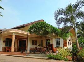 The Coco Sweet House, Damnoen Saduak