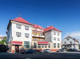 Hotel Grand, Doksy