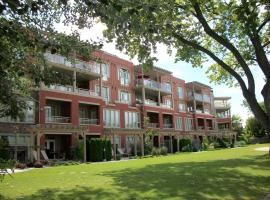 Strand Lakeside Resort by Okanagan Valley Rentals, Vernon
