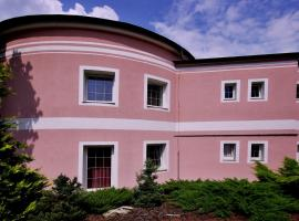 Pension Rotunda, Čelákovice