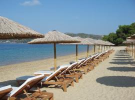 Skiathos Holidays, Kolios