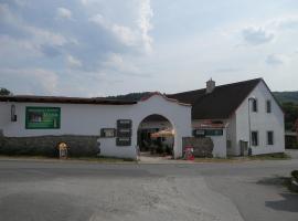 Restaurace a penzion U Lva, Karlštejn