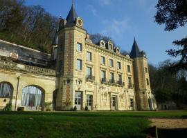 Chateau de Perreux, Nazelles-Négron