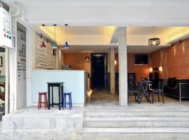 DI Place Hotel