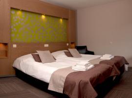 Hampshire Hotel - Auberge La Grande Cure, Marcourt
