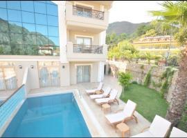 Villa Letoile, Icmeler