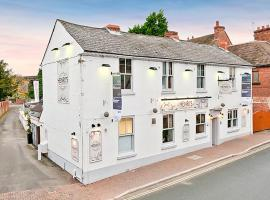 Henri's Bar Brasserie and Rooms, Shifnal