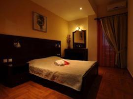 Pantheon Hotel & Suites, Nerotriviá