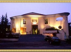 Polo Hotel, Usmate Velate