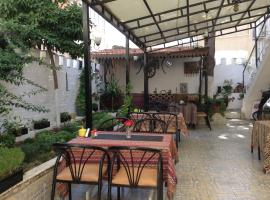 Nur Pension, Selcuk