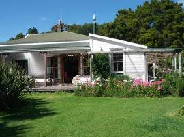 The Innlet Hostel and Cottages, Collingwood