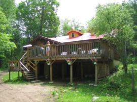 Algonquin Eco-Lodge, Harcourt