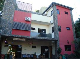 Kerana Hostel, Encarnación