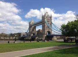 Tower Bridge Apartment