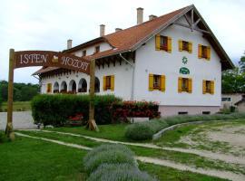 Noll tanya vendégház, Felcsút