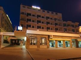 Hotel Mediterraneo, Чивитавеккья
