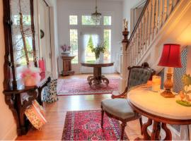 The Jackie O' House Bed and Breakfast, Columbus