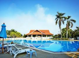 Pinehurst golf club and hotel, Pathum Thani