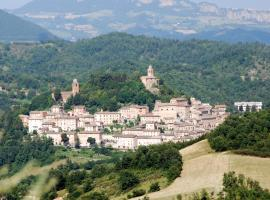 Casa Alessandrina, Montefortino
