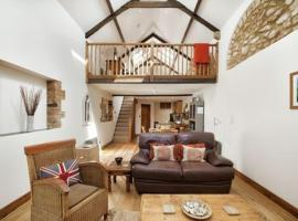 Oaktree Barn, Crewkerne